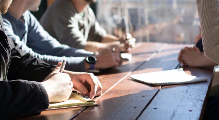 Jak zamówić firmę specjalizującą się w pracach na wysokościach?